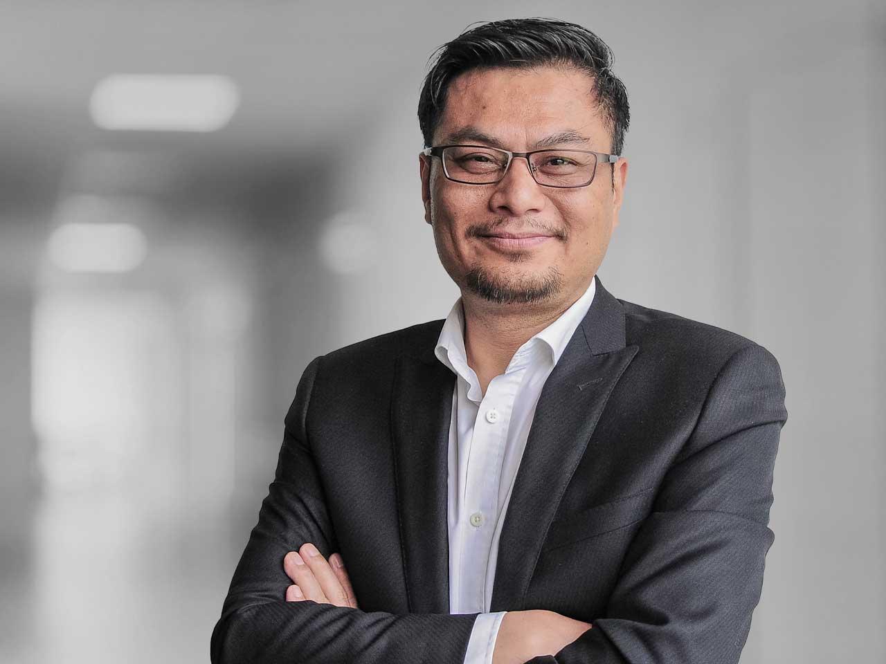 Adolf Föhl GmbH: Simon Xue